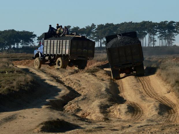 India-sand-mining.jpg