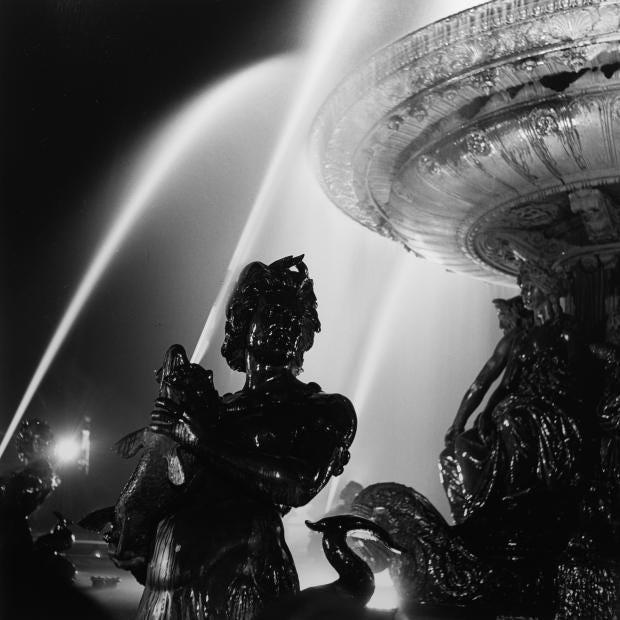 Fontaine De La Concorde 1935 - Roger Schall Courtesy Galerie ARGENTIC.jpg