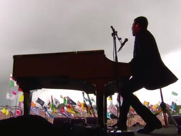 Lionel-piano.jpg