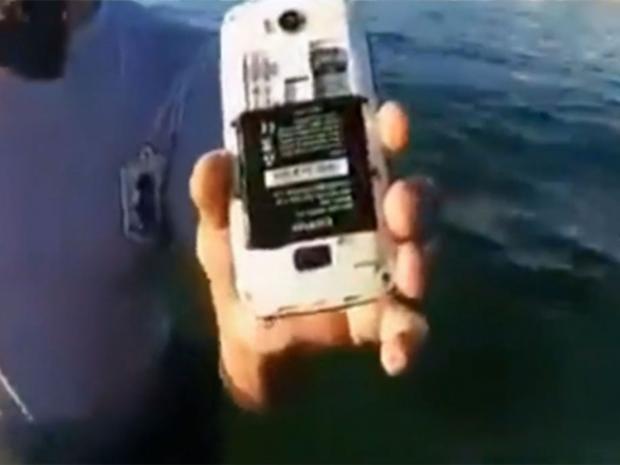 tunisia-gunman-phone.jpg