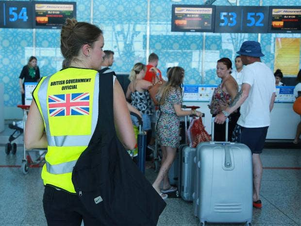 Tunisia-evacuation-EPA.jpg
