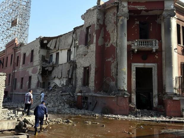 11-Cairo-Bomb-Get.jpg