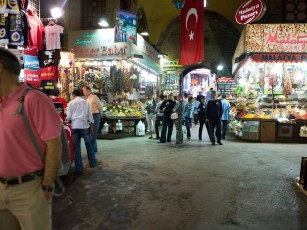 bazaar-istanbul-alamy.jpg