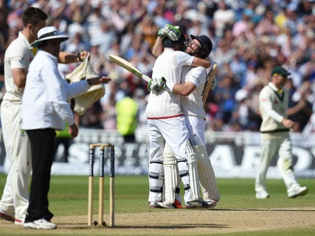 Joe-Root-and-Ian-Bell-celebrate-after-adding-the-winning-runs-for-England-on-the-third-day.jpg