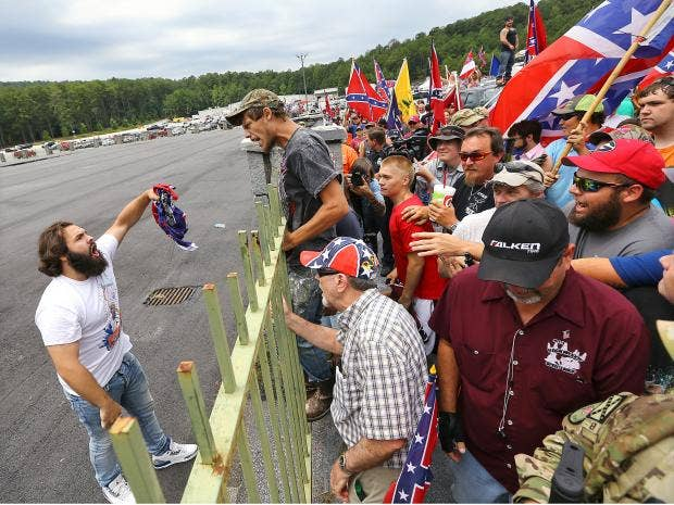 Confederate-Flag-Protest-1-AP.jpg