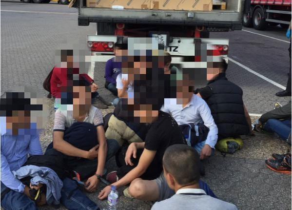 migrant-arrest2.jpg