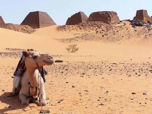 800px-Sudan_Meroe_Pyramids_30sep2005_13.jpg