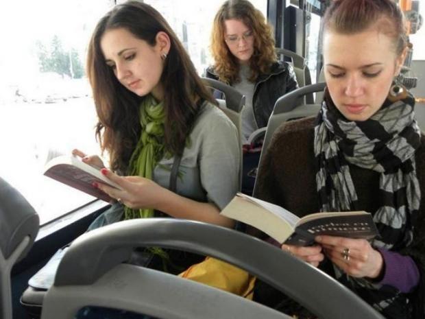 books-on-bus.jpg