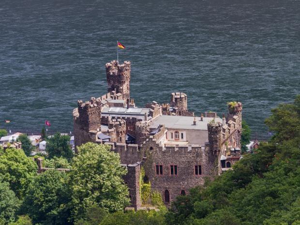 Castle-Reichenstein-Alamy.jpg