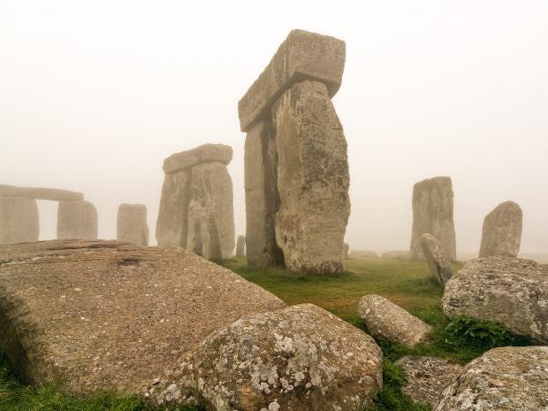 Stonehenge_stones.jpg