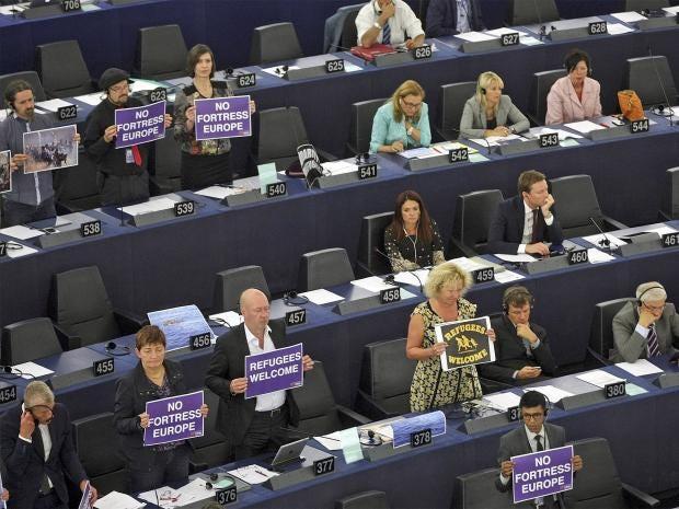 web-refugees-eu-1-ap.jpg