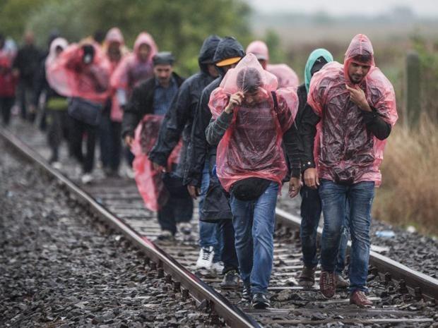 13-migrants-hungary-epa.jpg