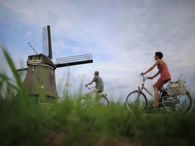 holland-bikes-windmill-gett.jpg