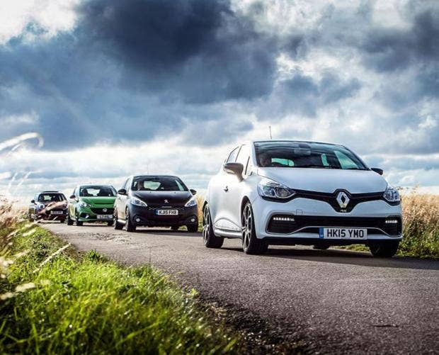 Hot-hatches-on-track1.jpg