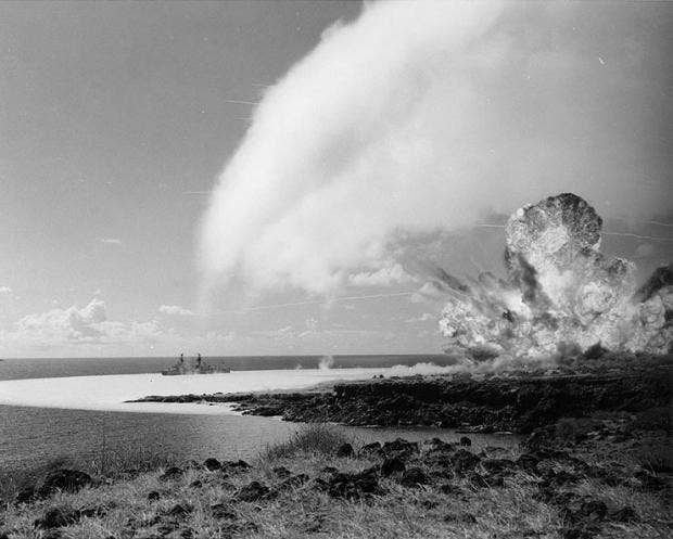 TNT_detonation_on_Kahoolawe_Island_during_Operation_Sailoir_Hat,_sjot_Bravo,_1965.jpg