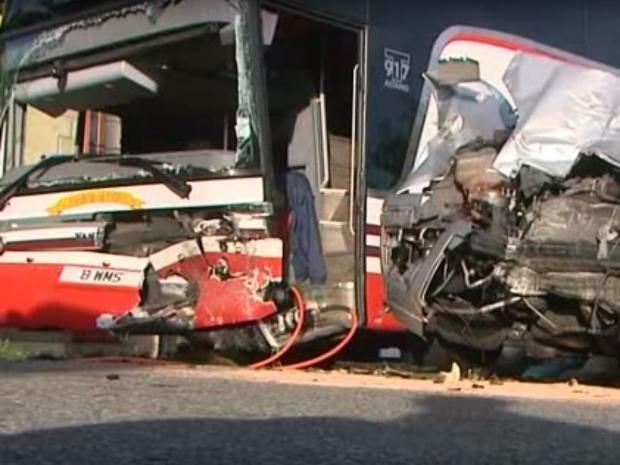 dalbeattie-bus-crash-france.jpg