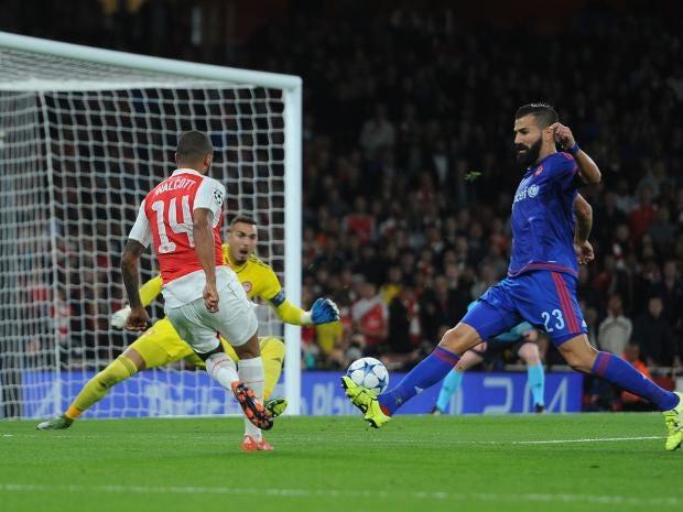 Walcott-goal.jpg