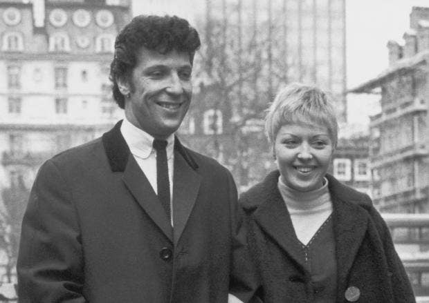 tom-jones-linda.jpg