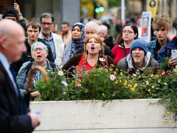 8-manchester-protest-afpget.jpg