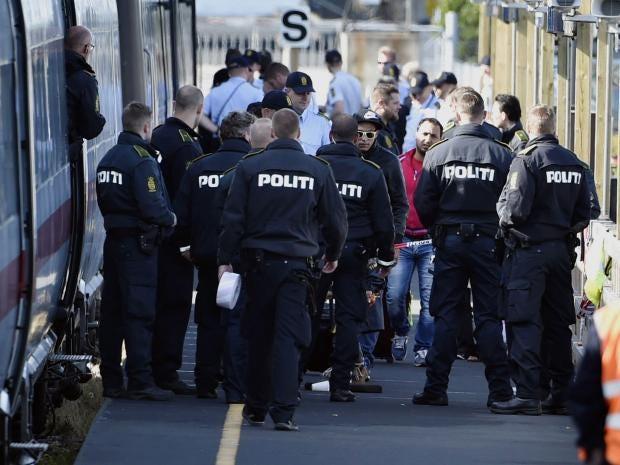 Denmark-police-migrants.jpg