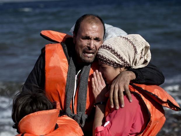 Lesbos-refugees-arriving.jpg