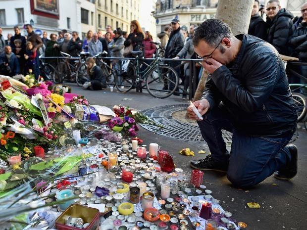 paris-attacks-tributes-7.jpg