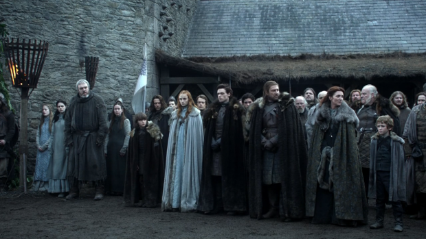 game-of-thrones-starks-in-winterfell.png