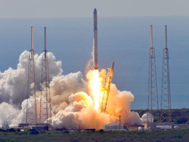 web-SpaceX-rocket-get.jpg