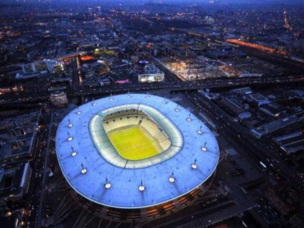 Football fans travel guide to euro 2016 it could pay to book your travel be - Stade de france superficie ...