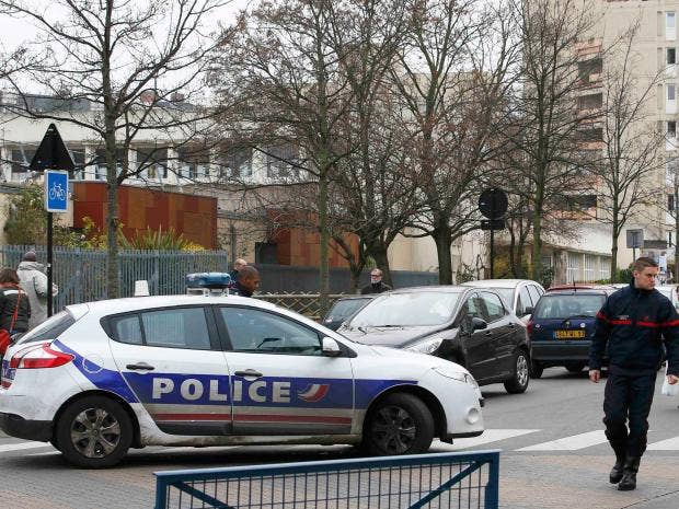 police-paris-school-attack.jpg