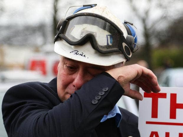 Kellingley-miners-march-closure-mine-december-tears.jpg