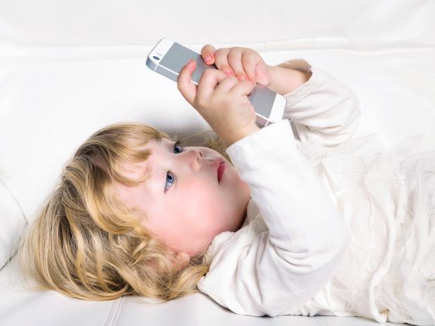 11-smartphone-toddler-corbis.jpg