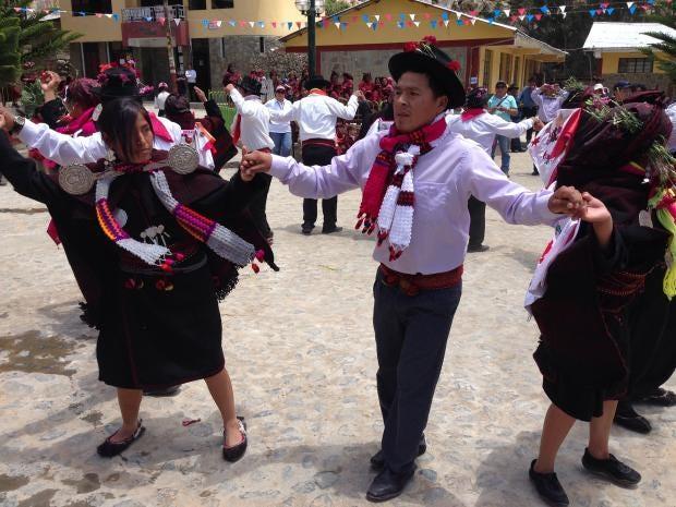 32-peru-dance-ap.jpg