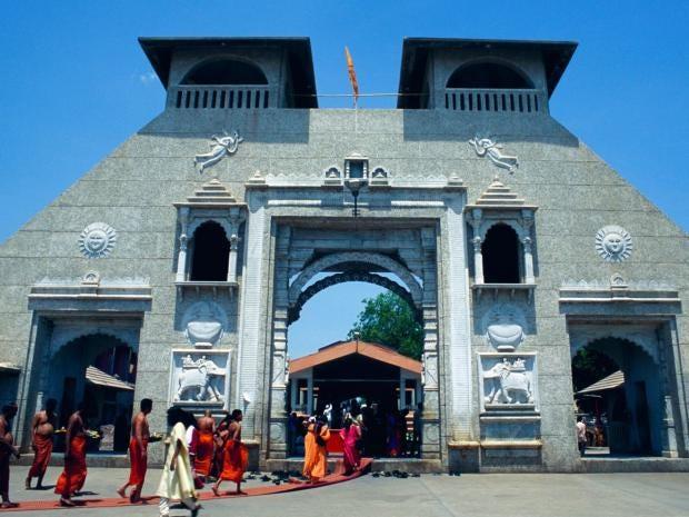 36-india-temple-alamy.jpg