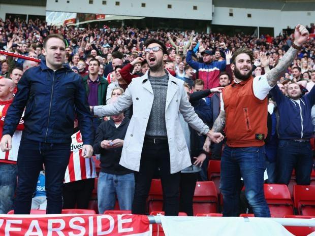 P.10-Sunderland-fans.jpg