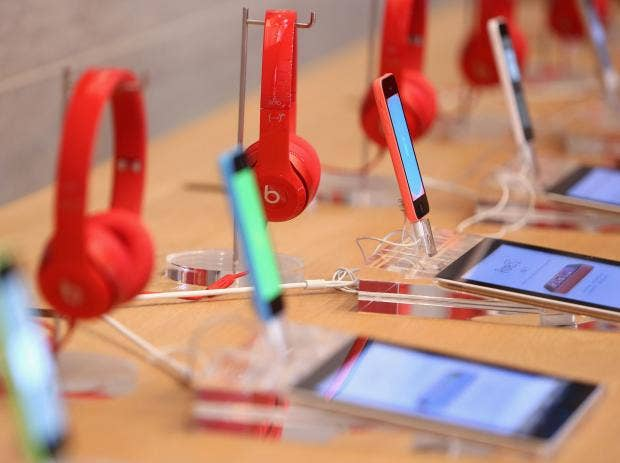 iphonesheadphones.jpg