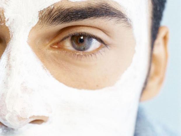 42-face-mask-alamy.jpg