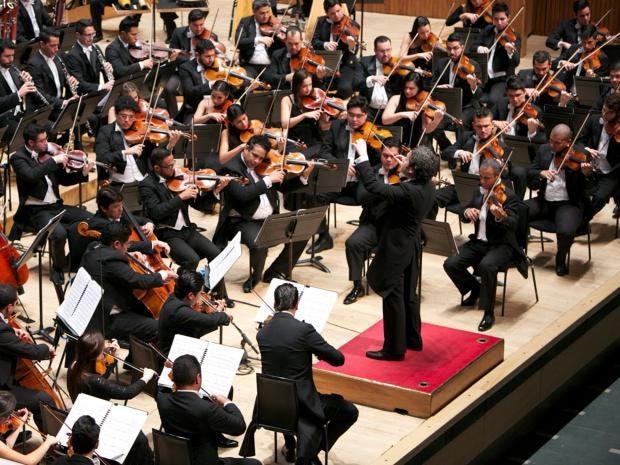 Dudamel-Simon-Bolivar-Symphony-Orchestra-2.jpg