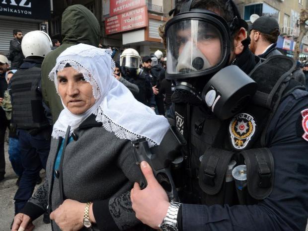 21-Turkish-riot-police-AFP-Getty.jpg