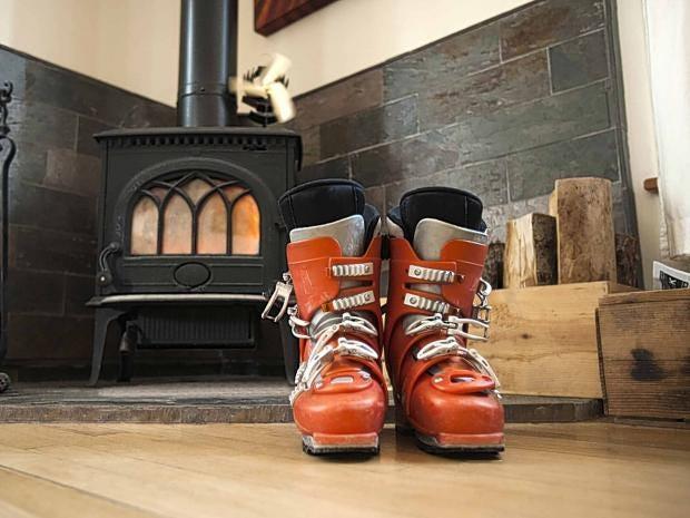 ski-boots-getty.jpg