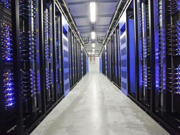 1-server-hall-facebook-afpget.jpg