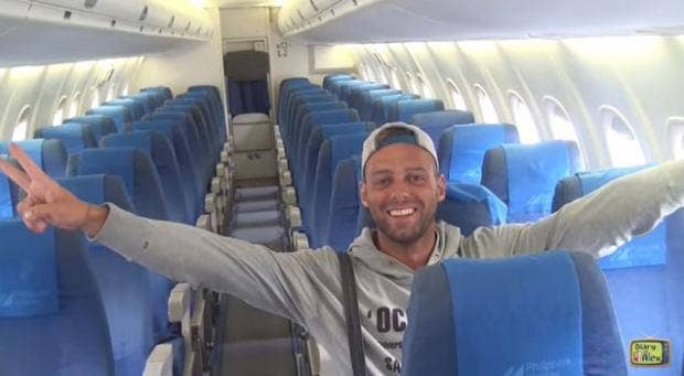 Alex-Simon-solo-Philippines-Airlines.jpg