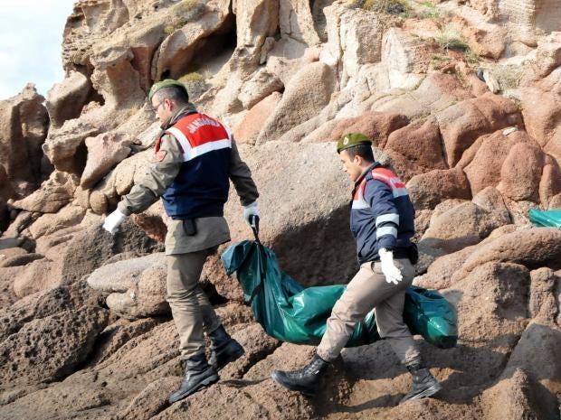 Refugee-boat-sinking2.jpg