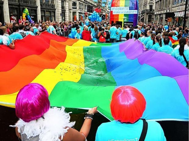 28-LGBT-flag-alamy.jpg