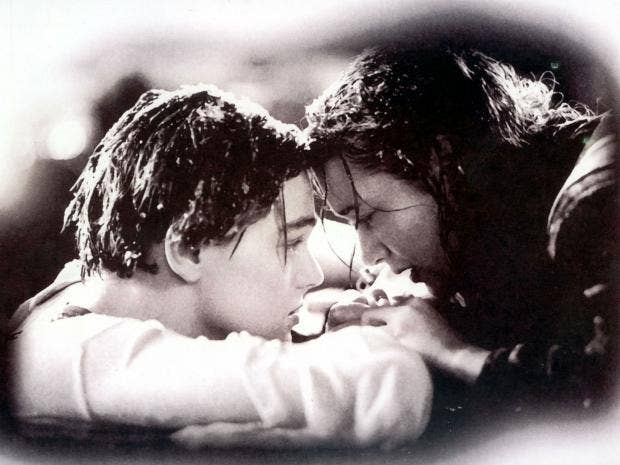 Leonardo DiCaprio and Kate Winslet as Jack and Rose in Titanic Rex Features & Kate Winslet finally admits Rose could have fit Jack on that ... Pezcame.Com