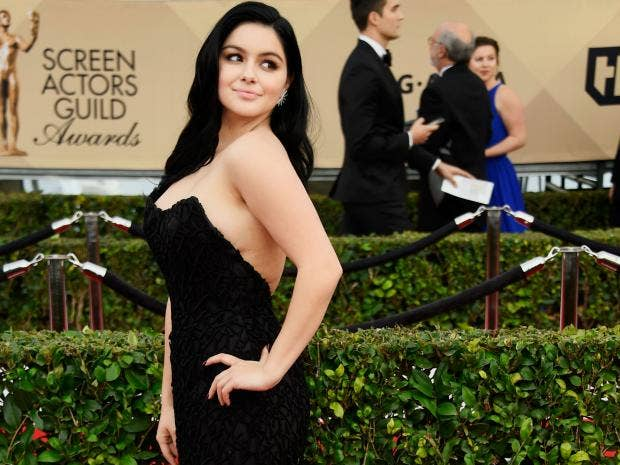 ariel winter writes essay on how breast reduction surgery. Black Bedroom Furniture Sets. Home Design Ideas
