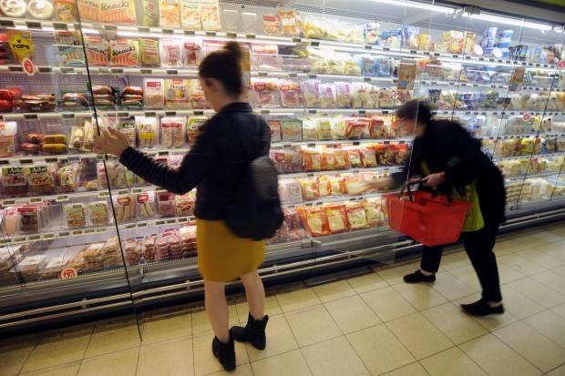 france-french-supermarket-food-waste.jpg