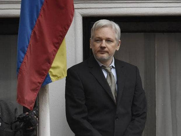Julian assange swedish court upholds arrest warrant for for Julian balcony