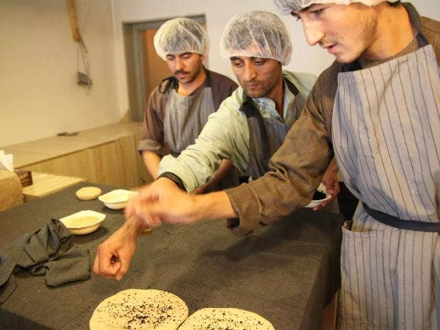 pg-32-kabul-bread-shop-sarwary.jpg
