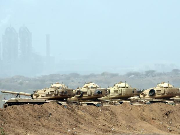 Saudi-tanks.jpg